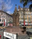 Karlsruhe, Brunnen auf dem Ludwigsplatz. Photographed by Ikar.us März 2008.