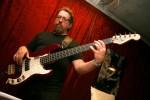 Johannes Schaedlich - Bassist der PlugAndPlay-Band.