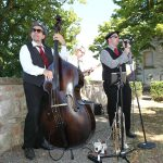 Trio beim Sektempfang auf einer Hochzeit auf Schloß Stauffenberg am 27-08-2016.